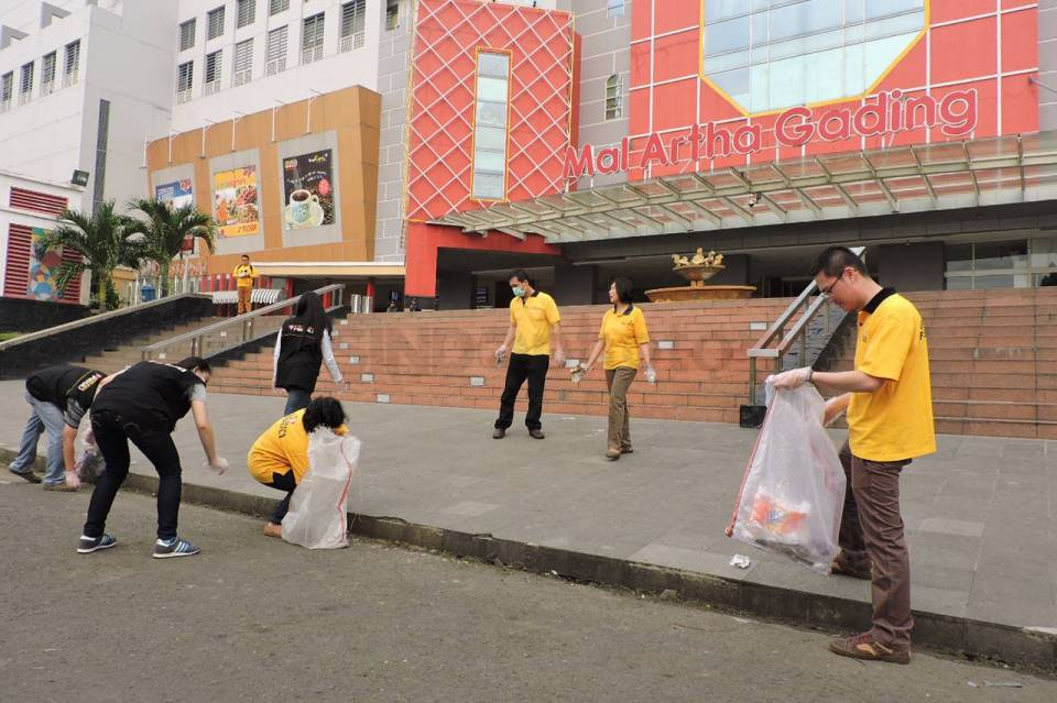 Artha Graha Peduli Hari Sampah Nasional